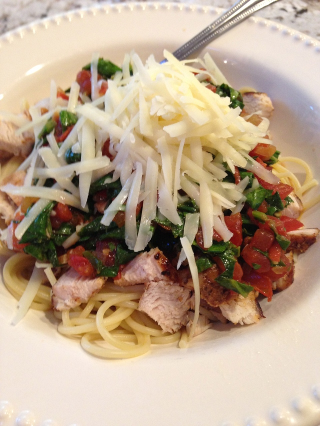 healthy pasta with chicken, spinach, tomato, asiago, white wine garlic sauce