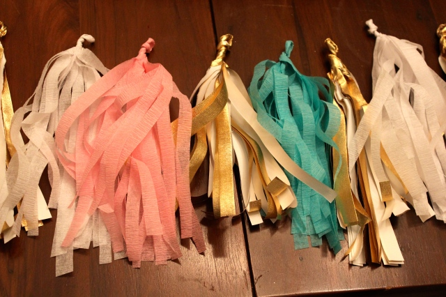 diy tassel garland and tutorial link