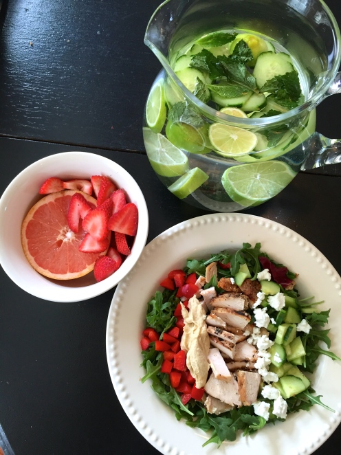 clean eating lunch with detox water