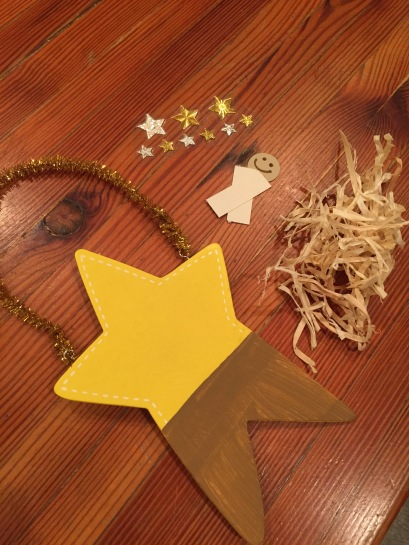 star manger scene ornament directions; preschool Christmas ornament