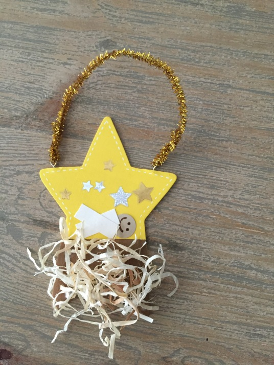 preschool Christmas ornament; star manger scene ornament; ornament a preschooler can make
