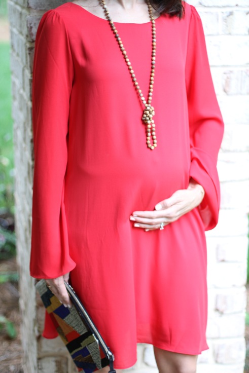 dressing the bump; red maternity dress; 17 weeks pregnant bump